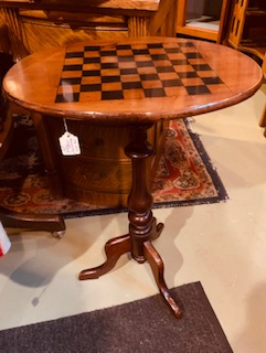 OVAL SIDE OR ACCENT TABLE Ca 1870